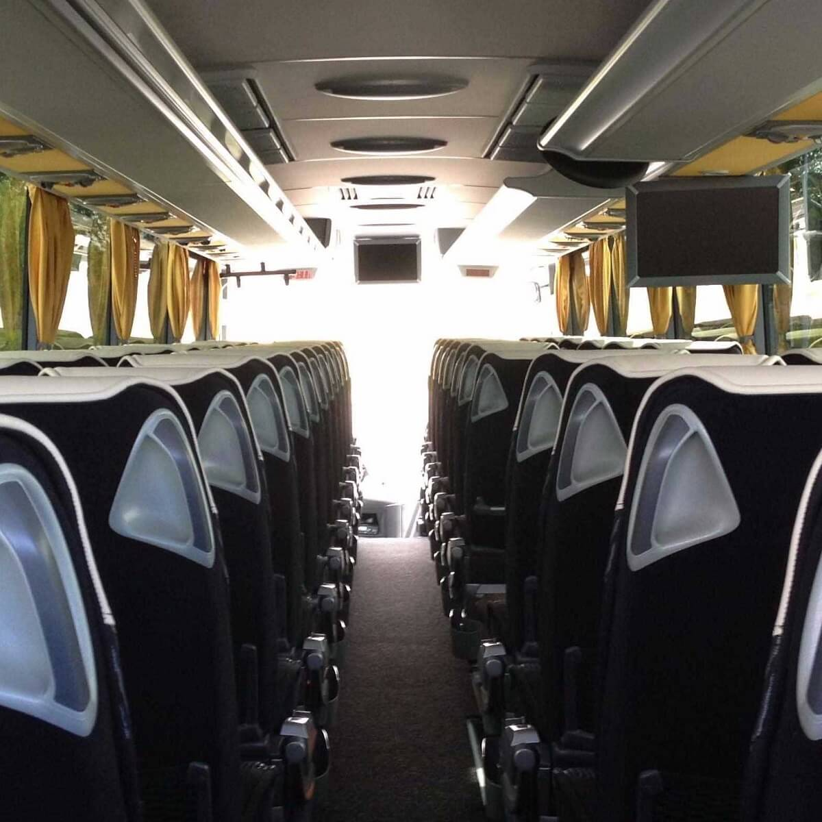 Coaches Minibuses Barcelona drivers at disposal and transfers