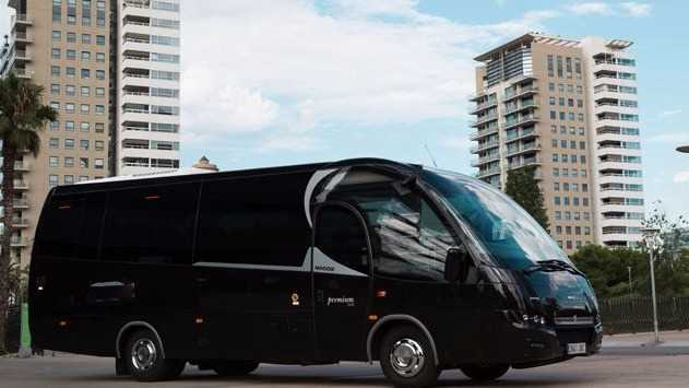 location autocars et minibus barcelone. Black Bedroom Furniture Sets. Home Design Ideas